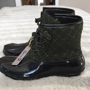 Wool Duck Rubber Ankle Booties. Rainboot New Size9